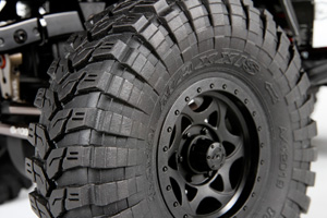 Axial_jeep_wrangler_g6_feature_maxxis_tires_300px