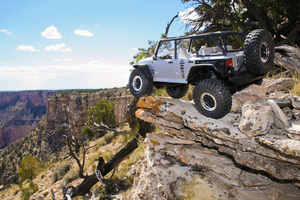 Ax90028_scx10_jeep_rtr_grand_canyon_06_800x533