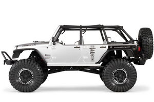 Ax90028_axial_scx10_jeep_rtr_side_800x533