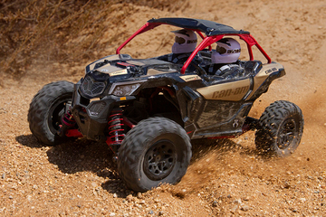 Axi90069_yeti_jr_can-am_maverick_x3_turbo_01_800px