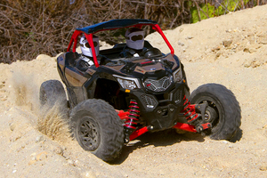 Axi90069_yeti_jr_can-am_maverick_x3_turbo_03_800px
