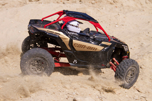 Axi90069_yeti_jr_can-am_maverick_x3_turbo_17_800px