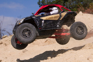 Axi90069_yeti_jr_can-am_maverick_x3_turbo_18_800px